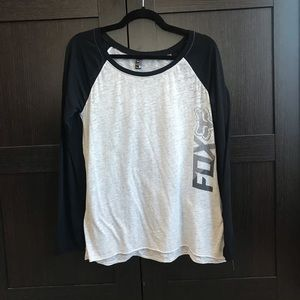 4/$25!! Women's LS Fox Tee - Size Medium